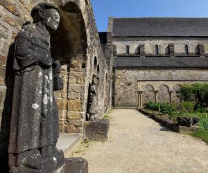 Cloître de l'abbaye de Daoulas