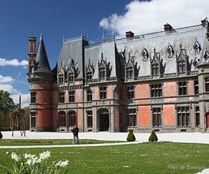 Façade du château de Trévarez