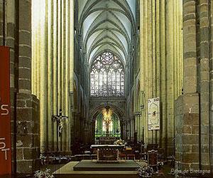 Intérieur de la cathédrale Saint-Samson