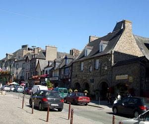 La Grande rue de Dol-de-Bretagne